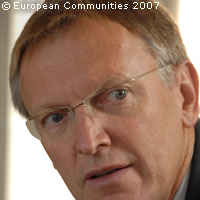Potocnik outlines actions for nanotechnology research in Europe