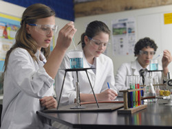'Inquiry labs' aim to inspire Europe's next generation of scientists