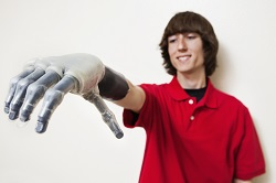 Can the brain recognise artificial limbs as real ones? New study reveals it can