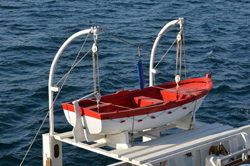Better life-saving systems for ship evacuations