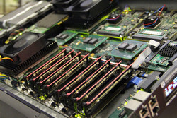 Innovative supercomputers architectures to achieve better energy efficiency